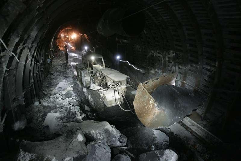 Největší těžař uhlí v Evropě zavře čtyři doly
