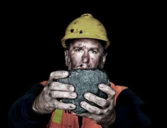 Důchodci v Polsku budou bez uhlí