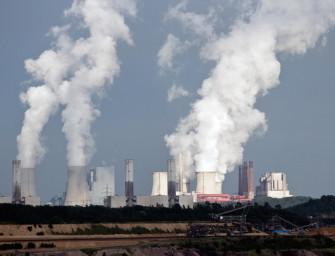 Daně z emisních povolenek přijdou Česko draho