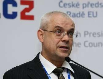 Expremiér Špidla vypovídal dvě hodiny