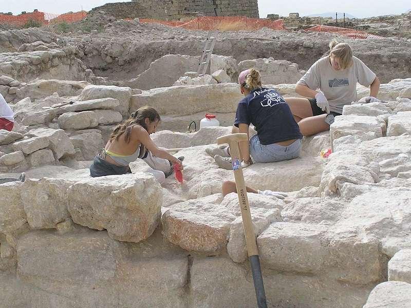 Archeologové_wikipedia_org_compressed