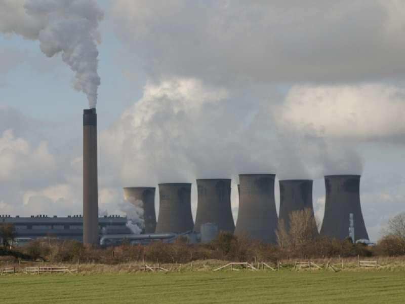 Eggborough_Power_Station_-_geograph_org_uk_-_349053_compressed
