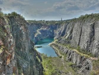 Báňský úřad čelí žalobě kvůli vápencovému lomu
