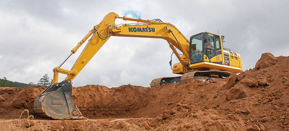 Komatsu PC210LCi-10-working_compressed