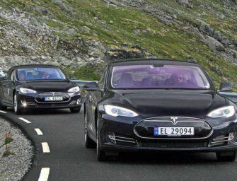 Němci chtějí milion elektromobilů