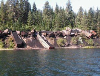 Vlak s uhlím vykolejil v severozápadní Montaně