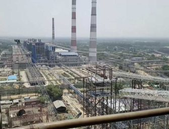 Výbuch v indické elektrárně zabíjel