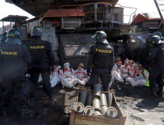 Báňský úřad řeší 300 přestupků s aktivisty