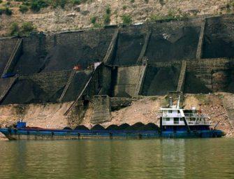 Čína těží více uhlí