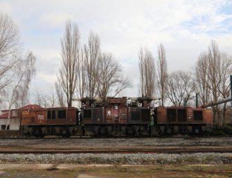 Jak se stěhuje největší důlní lokomotiva