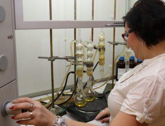 Laboratoř, kde dokonale rozeberou vodu