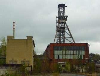 V bývalém uranovém dolu likvidují těžní věž