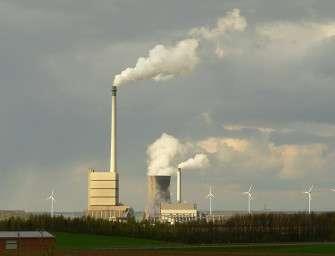 OECD přiškrtí peníze uhelným elektrárnám