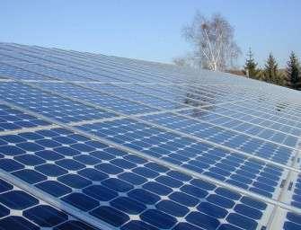 Indie letos investuje biliony do solárů