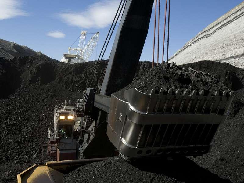 Peabody_Coal_Shovel_at_Mine_compressed