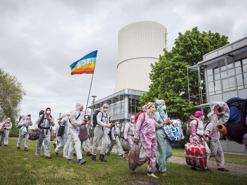 Policisté o víkendu zatkli 120 aktivistů, trestně stíhání ale nebudou. Foto: ende-gelände.org