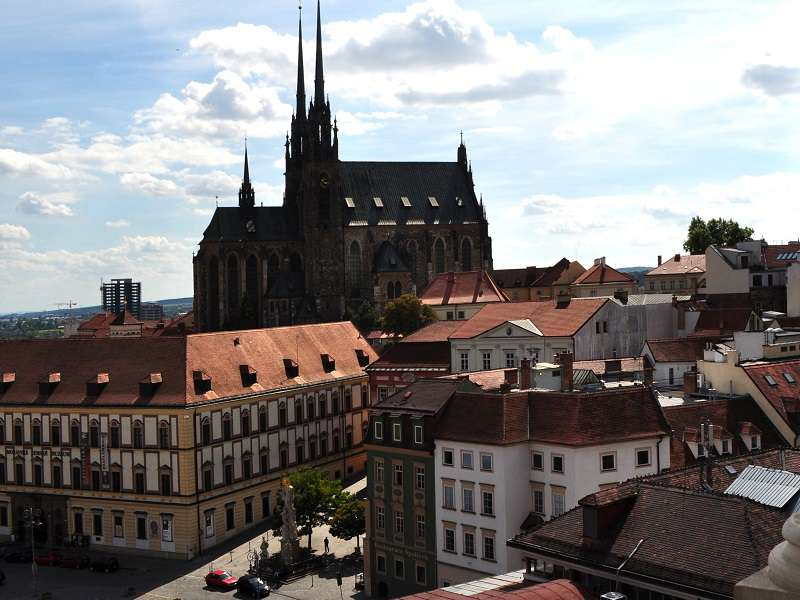brno_-_cathedral_of_saints_peter_and_paul_ii-wikipedia-millenium187_compressed