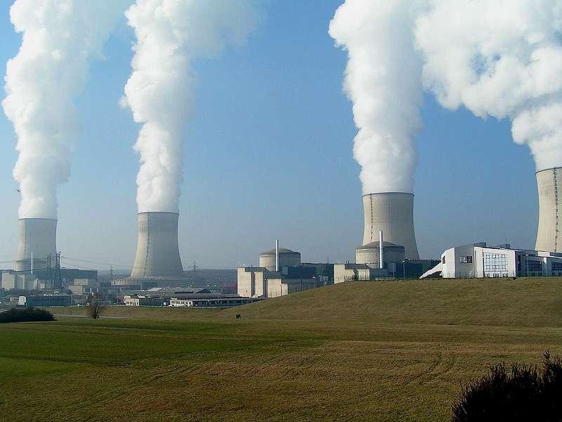 francouzska-jaderna-elektrarna-cattenom-wikipedia-stefan-kuhn_compressed