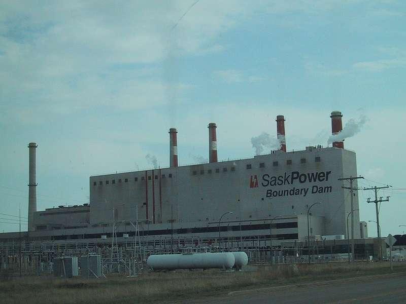 Jednou z největších uhelných elektráren v Kanadě je Boundary Dan Power Station v Saskatchewanu. Foto: wikipedia.org Wtshymanski