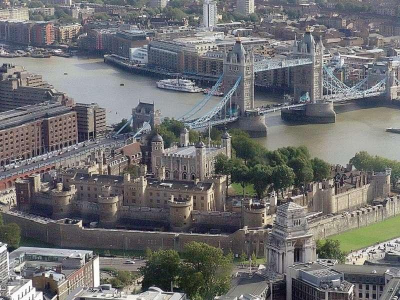 londyn-wikipedia-wjfox2005_compressed