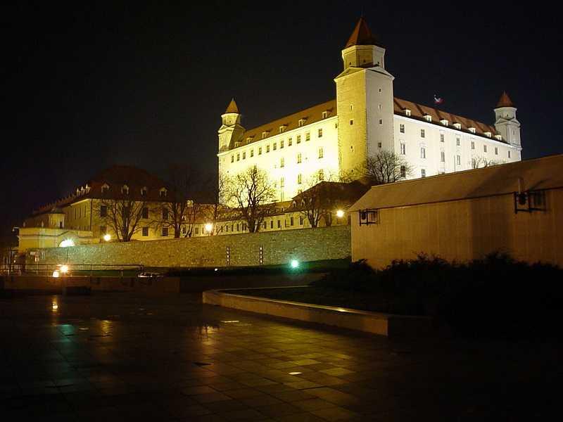 Slovenský energetický regulační úřad ÚRSO po tlaku vlády ohlásil, že ceny vrátí na loňskou úroveň. Foto: wikipedia.org