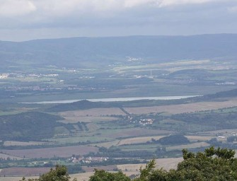 Spor o pozemky okolo jezera Milada