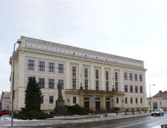 Hornická průmyslovka v Duchcově slaví 100 let