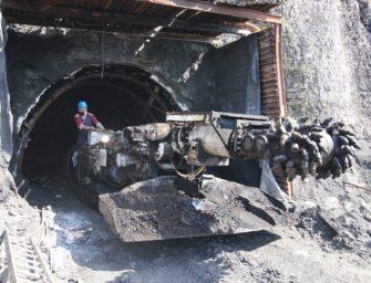 S hlubinou se rozloučil i důlní kombajn