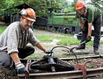 Důlní kolejáři z ČSM pomohli na Landeku