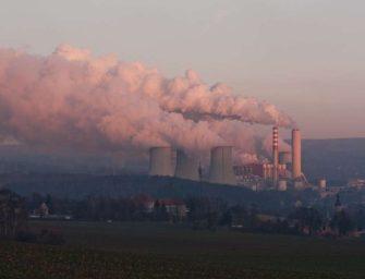 Poláci povolili další těžbu v dole Turów