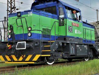 Opravená lokomotiva znovu tahá uhlí